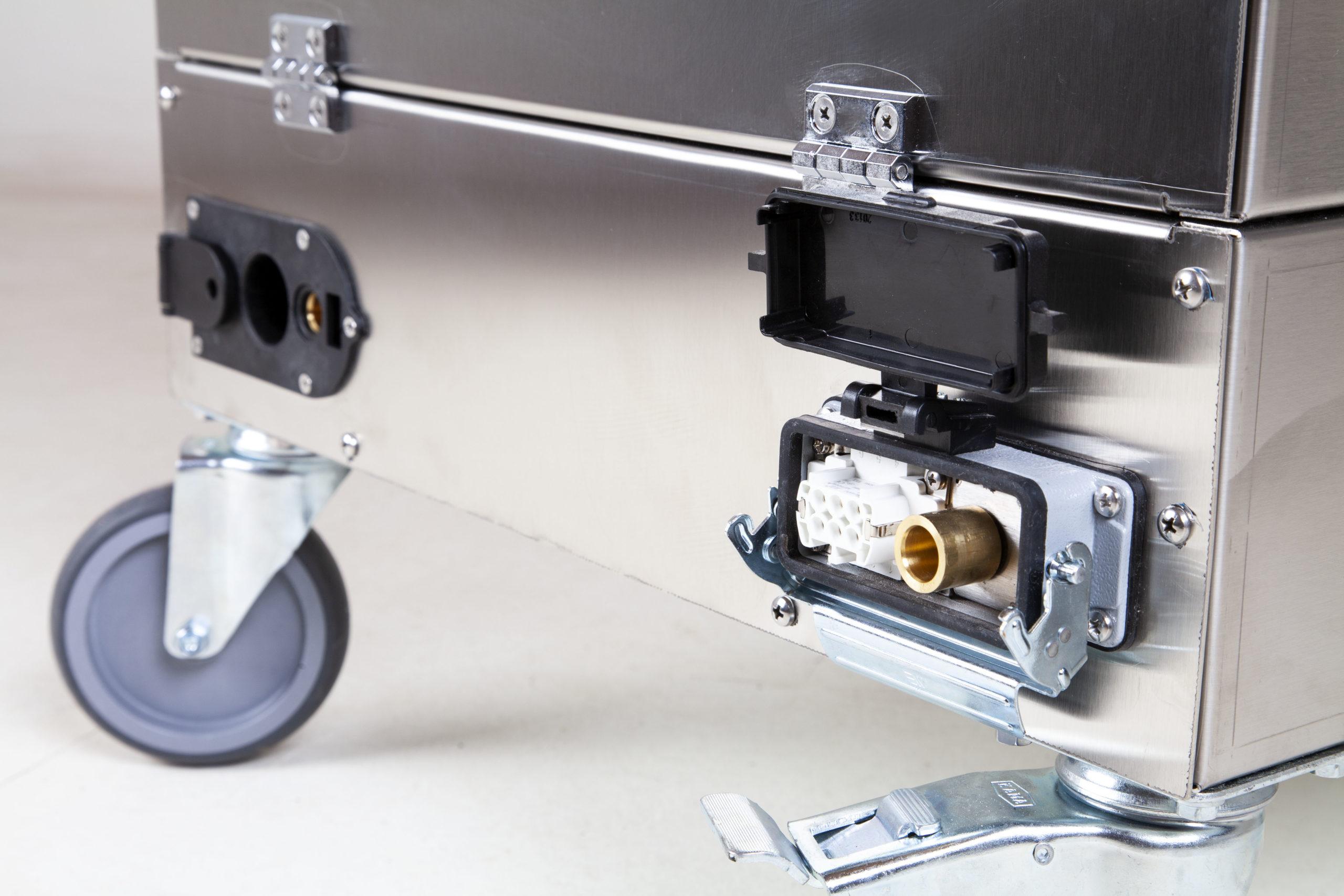 Uni SVC 9-18 Buharlı Temizlik Makinesi Arka Soket Girişi Görünüm