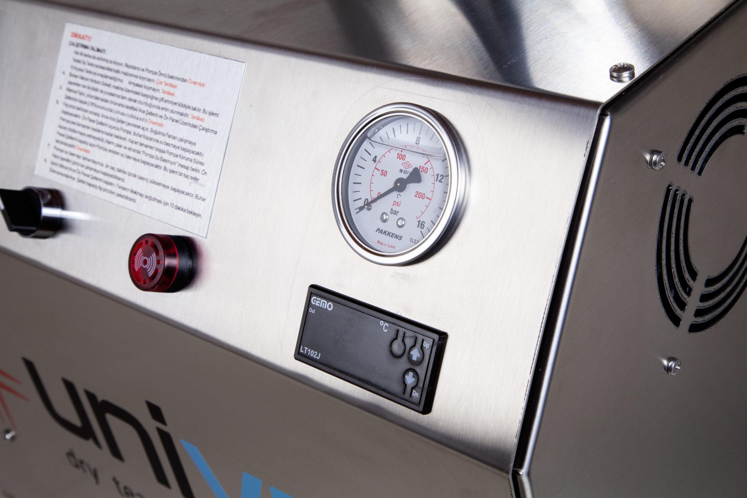 Uni SVC 9-18 Buharlı Temizlik Makinesi Ön Panel Yan Görünüm